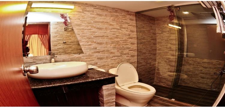 Hotel Neeshorgo Cox's Bazar Bath Room