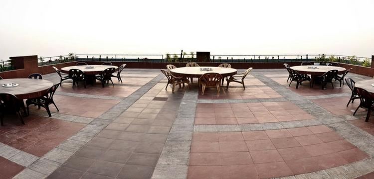 Hotel Neeshorgo Roof View